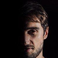 мужской портрет :: Vitaliy Mytnik
