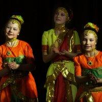 Восточные танцы :: Юрий Каркавцев