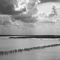 Тучи над озером :: Андрий Майковский