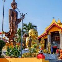 Тайланд. В буддийском храмовом комплексе. :: Rafael