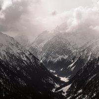 где-то в горах Кыргызстана :: Максим Рунков
