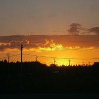 Солнце тихо ложится спать... :: Людмила Богданова (Скачко)