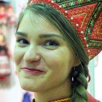едва сдерживая улыбку :: Олег Лукьянов