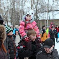 Северодвинск. Масленица. Высоко сижу, глубоко гляжу :: Владимир Шибинский