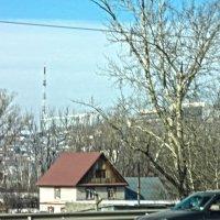 Зимнее время позволяет увидеть город сквозь ветки деревьев :: Владимир Ростовский