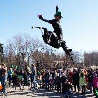 Персонажи парада Дня святого Патрика в Сокольниках 2 :: Николай Дони