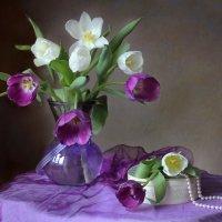 Мартовский этюд с тюльпанами :: lady-viola2014 -