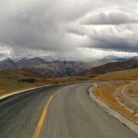 Тибет. Вираж в  облаках :: Александр