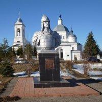 Памятник Александру Невскому в с. Ворша, Владимирская область :: Galina Leskova