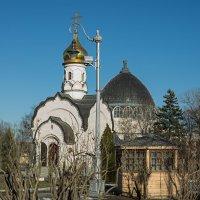 Фонарь и два купола. :: Яков Реймер