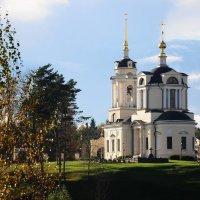 храм Знамение осенью :: Андрей Куприянов