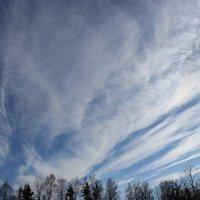 А по небу облака, словно времени река... :: Mariya laimite