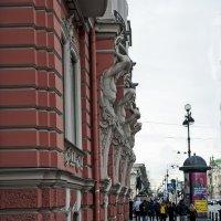 Прогулка по Невскому проспекту... :: Владимир Питерский