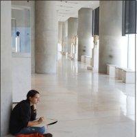 В зале Музея Афин :: Наталия Григорьева
