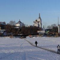 Первые прохожие на пруду :: Валерий Чепкасов