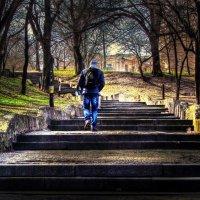 лестница в старом городе :: Александр Корчемный