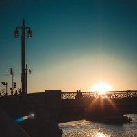 Город. закат :: Alina Solovey
