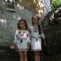 Две сестрёнки-2. :: Руслан Грицунь