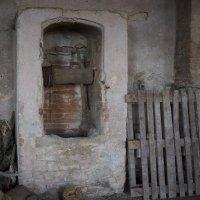 """старый """"лифт"""" для поднятия корзин с виноградом от подножия зАмковой горы к вершине... Итал :: Виктор Семенов"""