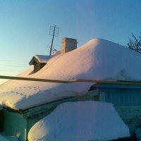 Зимняя, снежная крыша :: Владимир Ростовский