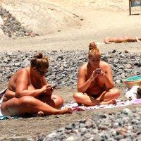 Девушки на пляже))) :: Наташа Шамаева