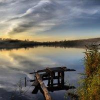 Туман на закате у реки... :: Татьяна Кретова