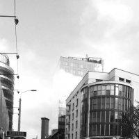 Облако в здании :: Анатолий Выхристенко