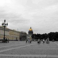 Народ приходит и уходит, а город остается... :: Юлия Тулаева