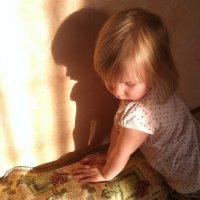 Без тени не увидешь свет. :: maks lisovoy