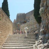 Вход в акрополь Линдоса, Греция :: Елена Лукожева