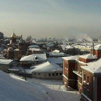 Вид на зимний город... :: Игорь Суханов