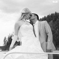 Свадьба на берегу :: Greg Popov