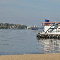 Уходят пароходы совсем не так, как поезда... :: Святец Вячеслав