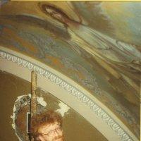 В церкви Николы в Толмачах при Третьяковке    (пленка + сканер) :: Андрей Лукьянов