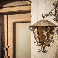 Старый фонарь :: Alexander Antonov