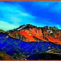Восход солнца в горах :: Григорий Кучушев