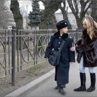 На позиции девушка провожала бойца :: Дэн Каменский