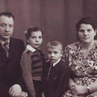 Семья.  1959 год :: Нина Корешкова