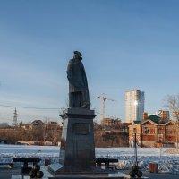 Памятник Василию Татищеву. :: Валерий Молоток