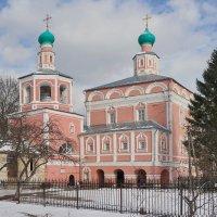 Свято Никольский женский Венев-монастырь :: Юрий Шувалов