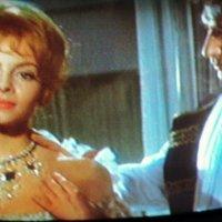 Дорогая, по  традиции 1 апреля, всем женщинам дарят брилиантовое колье, прими мой скромный подарок :: Ольга Кривых
