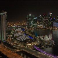 С наступлением сумерек залив Marina Bay загорается миллионами огней.Сингапур. :: Александр Вивчарик