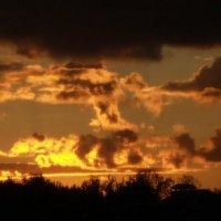 Хроники дачных закатов :: Виктория Смирнова