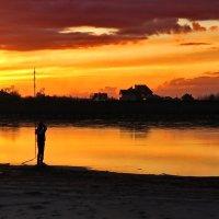 закат в городе :: Нина Сигаева