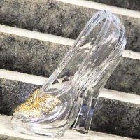У кого вторая туфелька, девушки? :: Лариса Корженевская