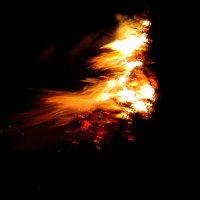 Танец огня. :: Михаил Болдырев