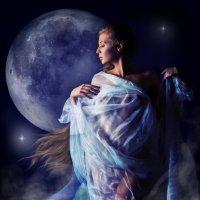 В сиянии Луны :: Сергей Великанов