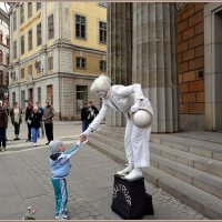 Живая скульптура :: Вера