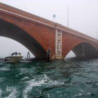 туманная Венеция. Мосты :: Елена Познокос