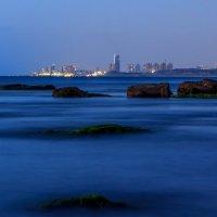 Вид с моря на город :: Michael Egenburg